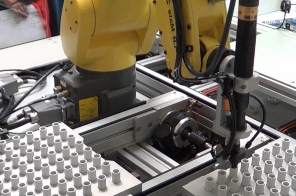 Industrial Automation Screw Driving